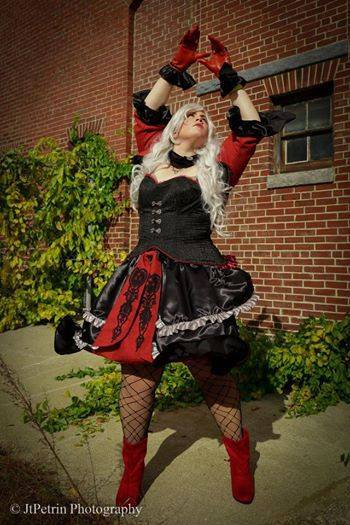 Cosplaying as Elementalist (Guild Wars II). Photo by JT Petrin Photography. Taken at Portland Comic Expo.