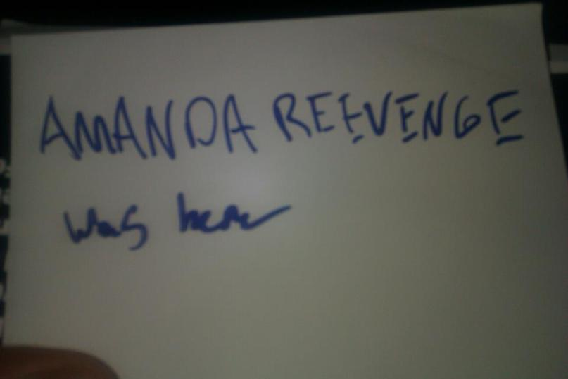 A npte/autograph I got on a card from Amanda at Coast City Comicon.