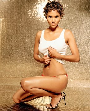 THE SEXY: Halle Berry is gorgeous. Seriously.