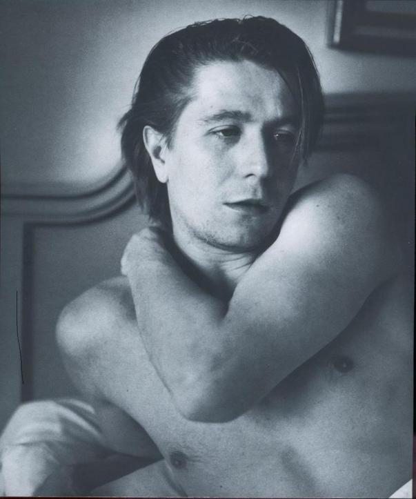 THE SEXY: Gary Oldman as not such an...old man.