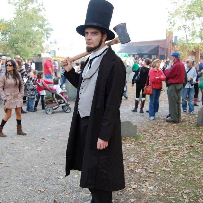 Me as Abraham Lincoln: Vampire Hunter, in a graveyard in Salem